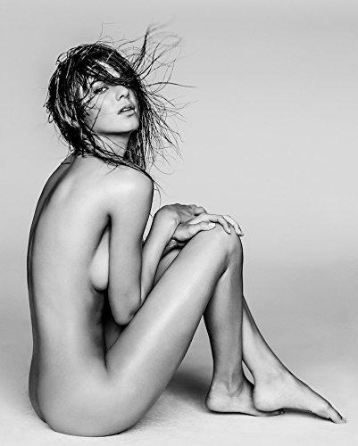 Kendall Jenner 8X10 Celebrity Photo  10