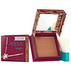 An award-winning, matte bronzing powder, now available in new, jumbo size. With shades to flatter all complexions, Hoola is perfect for getting a natural-looking tan all year long