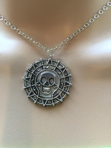 (lureme Inspired By Pirates of the Caribbean Movies Cursed Aztec Coin Medallion Necklace Skull Necklace-Antique Silver (01003817-2))