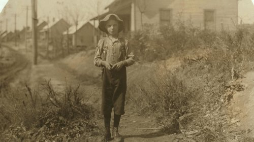 1912 child labor photo: John Poindexter, ''I'm ten years old. Helps me mommy in the spoolin' room every day,'' (Loray Mills, Gastonia, N.C.) Location: Gastonia, North Carolina. Vintage 8x10 Photograph -