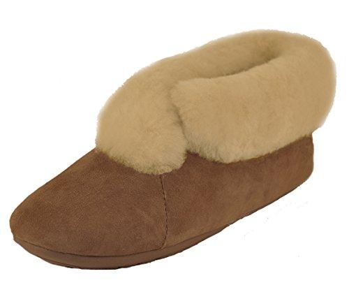 Qwaruba Parisian Suede Sole Sheepskin Slipper (Women's 8) Chestnut ()