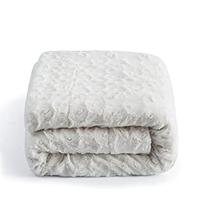 "DaDa Bedding Luxury White Roses Faux Fur with Sherpa Fleece Throw Blanket - Super Soft Warm Plush Luxe Solid Toss - 63"" x 87"" - Elegant and luxurious solid white faux fur throw blanket with a lovely soft texture on one side and extremely warm and comforting sherpa back side. All year round warmth - Perfect for autumn and cold winter seasons - Medium thickness for extra warmth. A beautiful and cozy present to give to friends and family. - blankets-throws, bedroom-sheets-comforters, bedroom - 41z42BLBpTL. SS400  -"