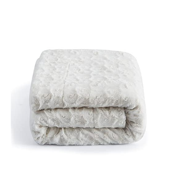 """DaDa Bedding Luxury White Roses Faux Fur with Sherpa Fleece Throw Blanket - Super Soft Warm Plush Luxe Solid Toss - 63"""" x 87"""" - Elegant and luxurious solid white faux fur throw blanket with a lovely soft texture on one side and extremely warm and comforting sherpa back side. All year round warmth - Perfect for autumn and cold winter seasons - Medium thickness for extra warmth. A beautiful and cozy present to give to friends and family. - blankets-throws, bedroom-sheets-comforters, bedroom - 41z42BLBpTL. SS570  -"""