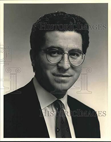 1993 Press Photo Alejandro Ruelas, senior manager at Anheuser-Busch - saa26701