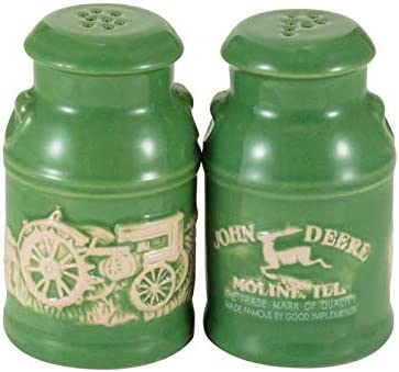 John Deere Raised-Relief Milk Can Salt /& Pepper Set