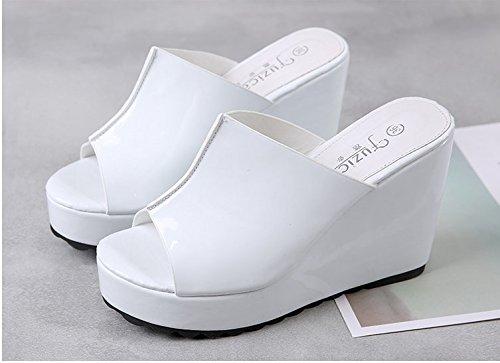 Xing Lin Sandalias De Mujer Zapatillas De Verano Femenina Pendiente Con Zapatillas Gruesas Sandalias De Tacón Zapato Abierto Boca De Pescado Sandalias Femenina Taiwán Impermeable white