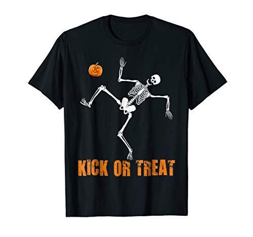 Football Players Halloween Prank (Kick Or Treating Halloween Soccer T-Shirt Pumpkin)