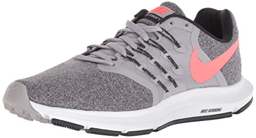 competitive price c9c76 4a8e3 Nike Women s Run Swift Sneaker, Atmosphere Grey Flash Crimson, 9 Regular US