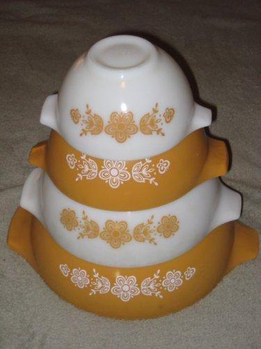 SET OF 4 - Vintage Pyrex  inch Butterfly Gold  inch Cinderella Mixing Nesting Batter Bowls - 1 Pint, 1 1/2 Quart, 2 1/2 Quart & 4 Quart