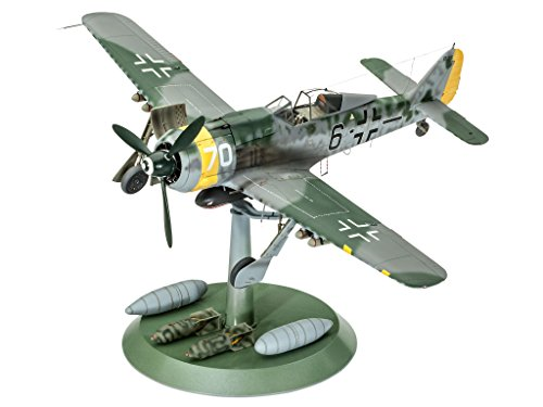 cke Wulf Fw190 F-8 Model Kit (Focke Wulf Airplane)