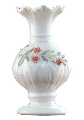 Belleek 2009 Archive Collection Ribbon 8-Inch Vase