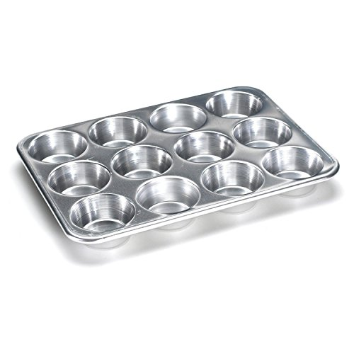 Nordic Ware 54902 Giant Cupcake Pan - Commercial