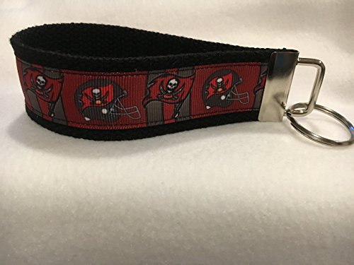 Tampa Bay Buccaneers Keychain, Buccaneers Gifts, Personalized Keychain, Custom ()