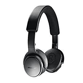 "Bose SoundLink On-Ear Bluetooth Headphones with Microphone, Triple Black 73 Bose SoundLink On-Ear Bluetooth Headphones with Microphone - 47.2"" Audio Cable - 1.3"" USB Cable - Carrying Case - Bose 1 Year Limited Warranty Wireless Range: 30' (9.1m) Battery life: Up to 15 hours"