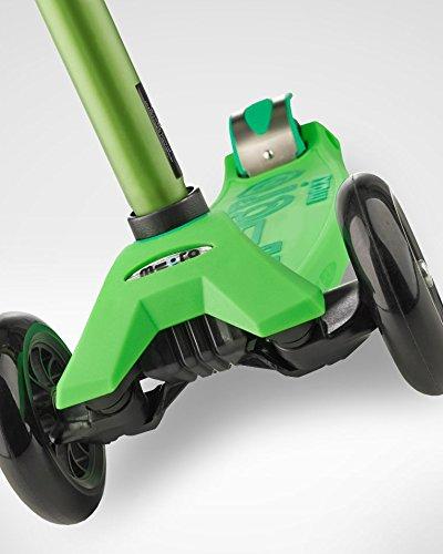 Micro Maxi Deluxe Kick Scooters (Green) by Micro Kickboard (Image #6)
