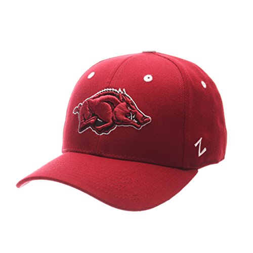 Zephyr NCAA Arkansas Razorbacks Men's DH Fitted Cap, Cardinal, Size 7 3/8 - Fitted Zephyr College Cap