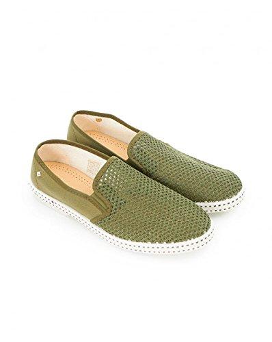 Rivieras Mens Classic 20 Slip On Sneakers Kaki