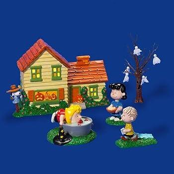 Amazon.com: Department 56 Peanuts Halloween Party Figurines (Set ...