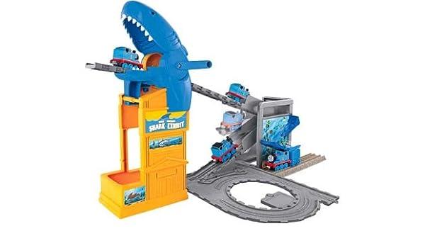 Thomas la Exposición del motor del tanque del tiburón Playset.: Amazon.es: Juguetes y juegos