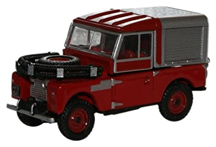 Amazon Com 1 76 Red Oxford Diecast Land Rover 88 Fire Toys Games