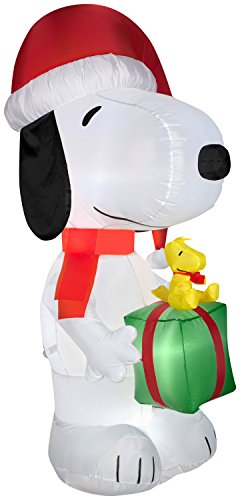 Gemmy Airblown Inflatable Snoopy Wearing