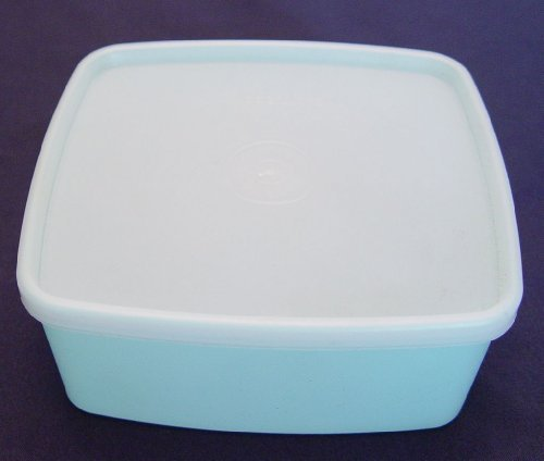 Tupperware 16 Ounce Square Round #311 Pastel Blue with Sheer Seal # 310 (Tupperware Square Round Lids)