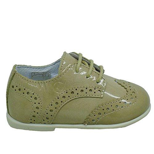 Zapato cordón charol Naturino 4899 Beig