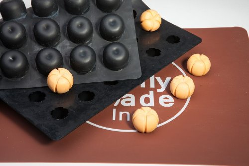 (Pumpkin Chocolate Truffle, Jelly and Candy Mold, 48 cavities, One step candy pop-out)