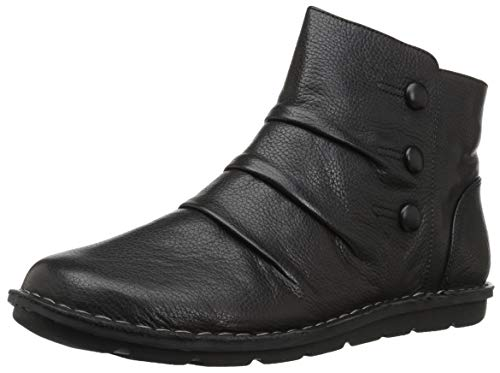 Price comparison product image CLARKS Women's Janice Verna Fashion Boot,  Black Leather,  075 M US
