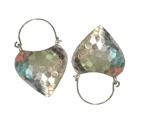 COOL 10.05 GRAMS. WOOW!! BEAUTIFUL THAI KAREN HILL TRIBE HEART WHITE HAMMERED SILVER EARRINGS  KAREAN EARRING BOX_1