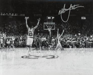 Christian Laettner signed Duke Blue Devils Horizontal B W Celebration  Metallic 8x10 Photo  92 Shot vs fa5d7460e