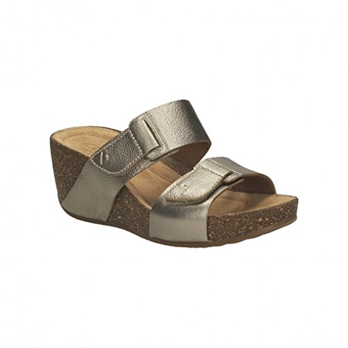 014f8526dcb2a Clarks Women s Temira East Gold Metallic (Fit E) Leather Fashion Sandals -  8.5 UK  Buy Online at Low Prices in India - Amazon.in