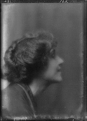 photo-babcockadamissportrait-photographswomenarnold-genthe1912
