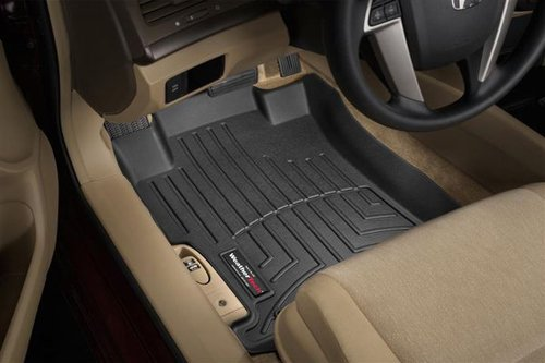 WeatherTech Custom Fit Front FloorLiner for Nissan Frontier/Suzuki Equator (Black)