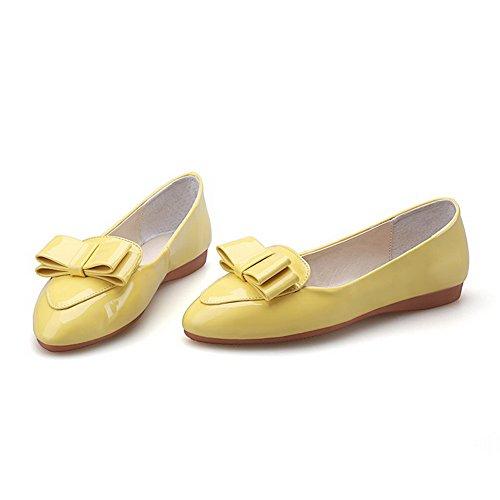 AgooLar Damen Niedriger Absatz Rein Ziehen auf Lackleder Spitz Zehe Pumps Schuhe Gelb