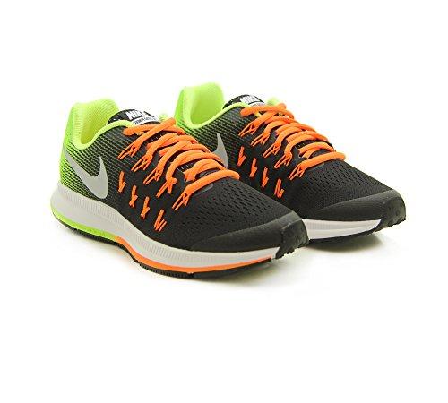 Nike 834316 - Zapatillas de gimnasia de Material Sintético para niño Negro black/mtllc slvr-vlt-ttl orng