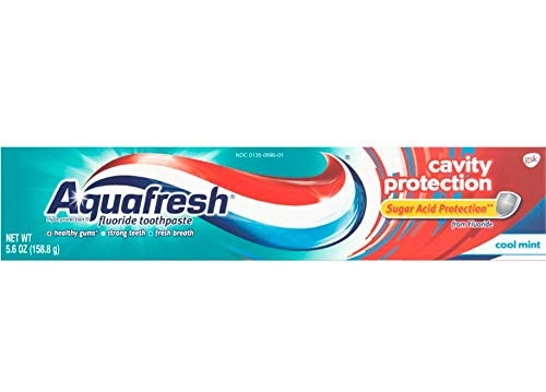 Aquafresh Cavity Protection Fluoride Toothpaste for healthy gums, Mint, 5.6 Ounce