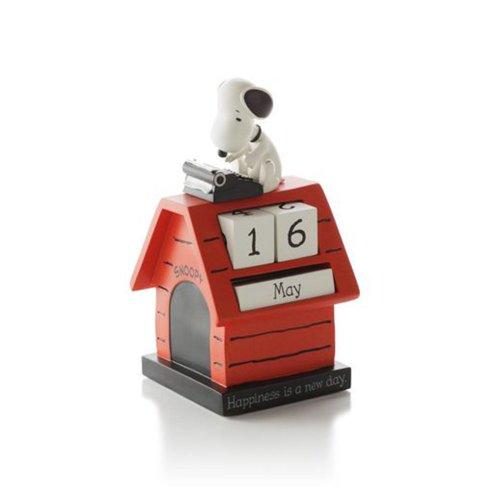 Hallmark PAJ1121 Snoopy Perpetual Calendar