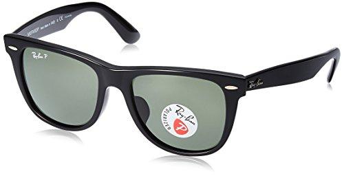 (Ray-Ban Men's Wayfarer Polarized Square Sunglasses, Black, 54.0 mm)