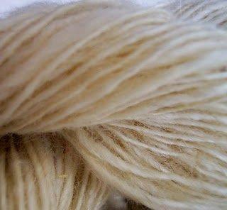 Natural white Handspun Thick and Thin 100% wool yarn