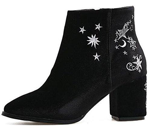 Idifu Womens Elegant Broderade Dragkedja Upp Faux Mocka Kort Boots Mitten Chunky Klackar Svart