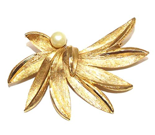 Vintage Gold Tone BSK Signed Stylized Leaf Brooch Pin w/Single Pearl