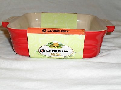 Le Creuset Poterie Stoneware Solid Chili Red Square Baking Dish, 9.25 (Poterie Dish)