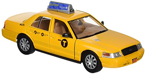 Daron New York City Taxi 1/24 Die-Cast ()