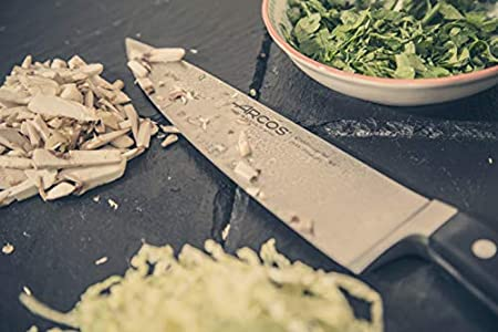 Arcos Serie Clasica, Cuchillo Cocinero, Hoja de Acero Inoxidable Forjado Nitrum 210 mm, Mango de Polioximetileno, POM Color Negro
