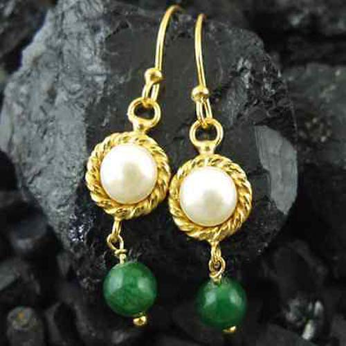 Ancient Design Jewelry Handmade Designer Pearl And Emerald Earring 22K Gold over 925K Sterling Silver ()