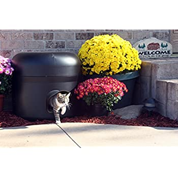 Image of Kitty Tube The Outdoor Insulated Cat House - Feral Option w/Straw Home and Kitchen