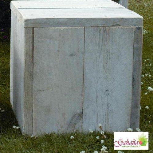 Bauholz Möbel Gahalia Hocker / Tisch aus Original - Bauholz 40x40x40cm