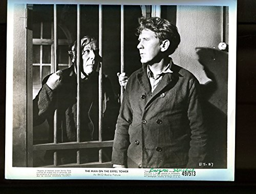 MOVIE PHOTO: MAN ON THE EIFFEL TOWER-BURGESS MEREDITH-JAIL SCENE VG/FN
