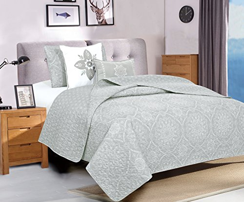 4-Piece Quilt Set with Shams and Decorative Pillows. Soft All-Season Microfiber Bedspread and Coverlet with Printed Pattern. Kiara Collection By Home Fashion Designs Brand. (Twin, Dawn Grey)